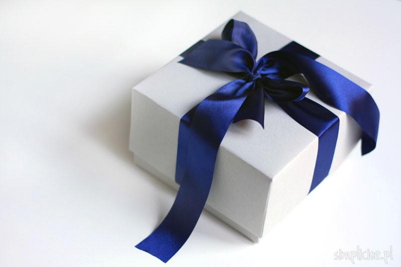 In hộp giấy quà tặng