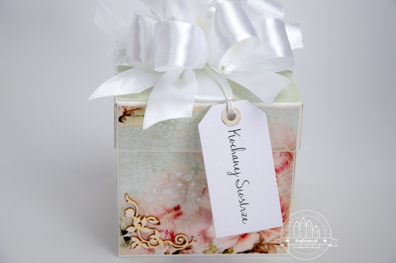 in ấn hộp giấy quà tặng