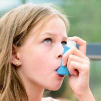 Nguy cơ trẻ bị bệnh hen suyễn khi đi học
